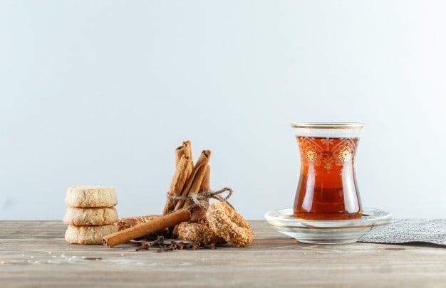 chá de canela com cravo