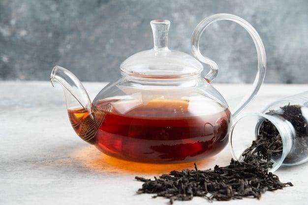 chá preto simples