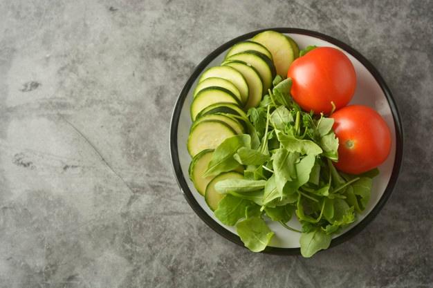 salada de chuchu com abobrinha