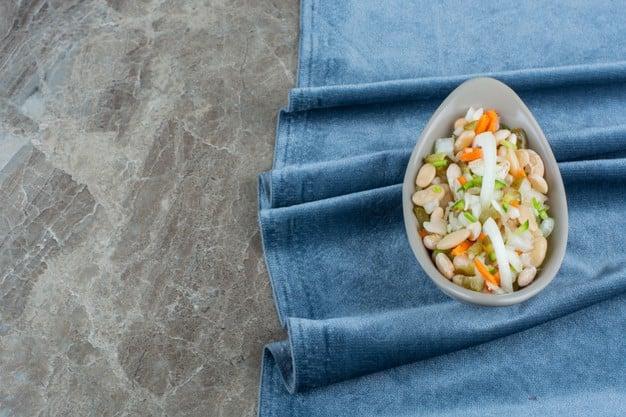 salada de legumes cozidos com feijão