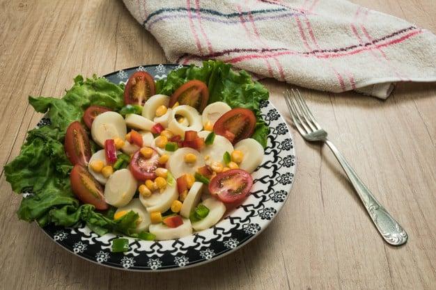 salada de legumes cozidos com palmito