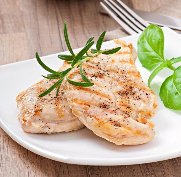 peito de peru assado é um alimento rico em iodo
