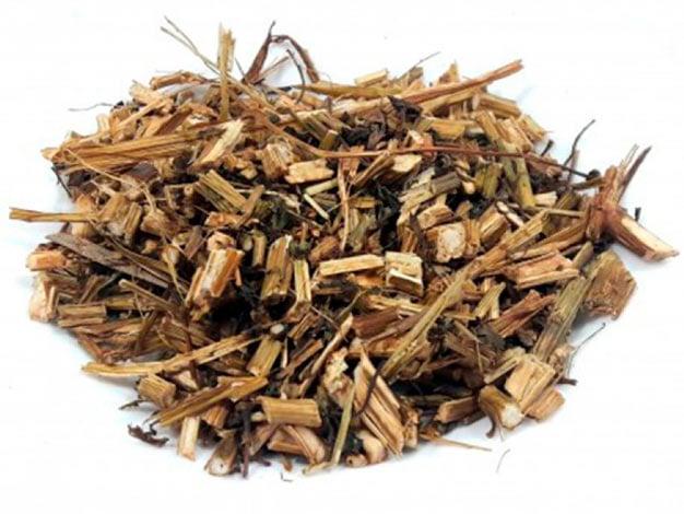 Erva de picão-preto desidratada para o preparo do chá