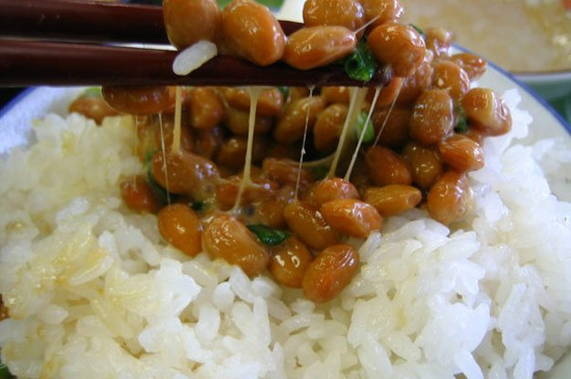 Natto no arroz