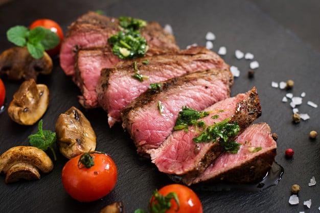 carne de boi cortada
