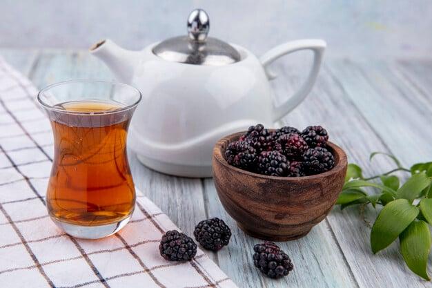 chá de folhas de amora miura