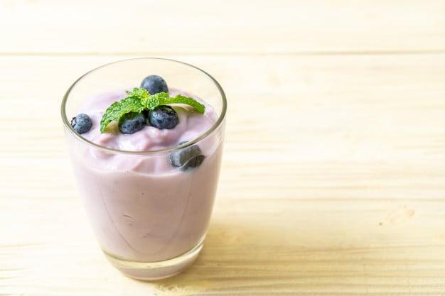 iogurte grego com blueberry