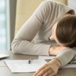 mulher com narcolepsia
