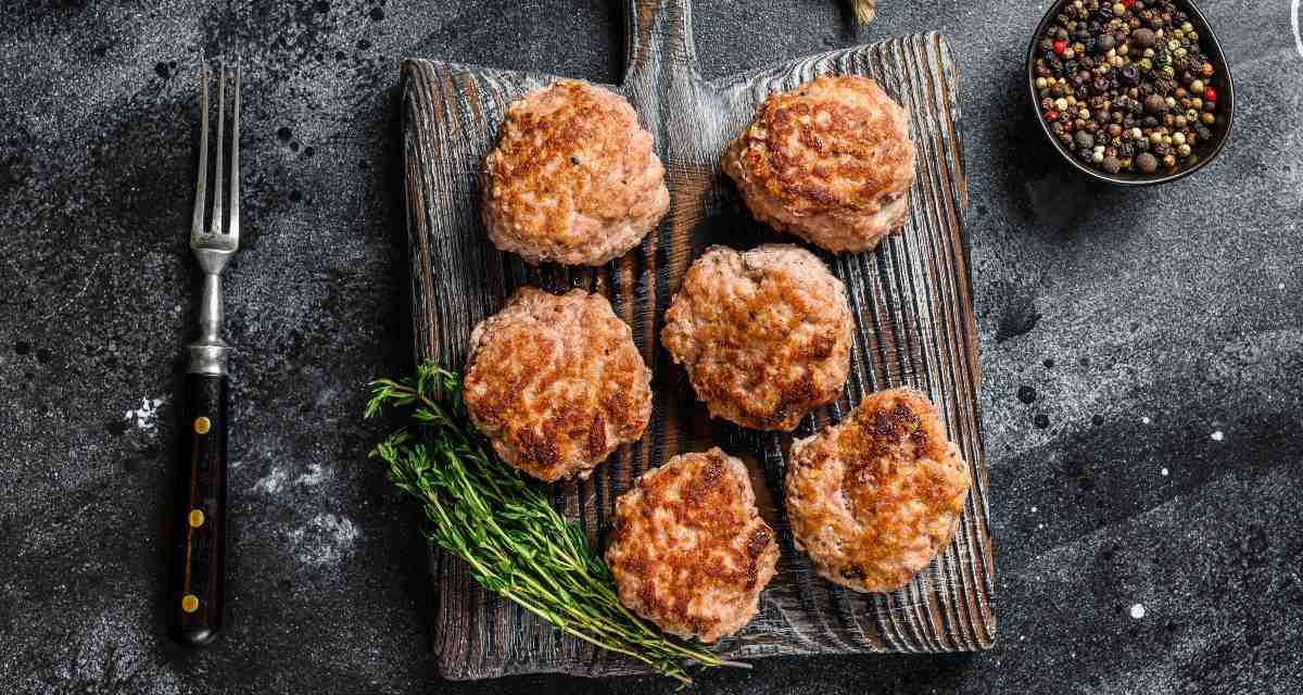 Hambúrguer caseiro de frango