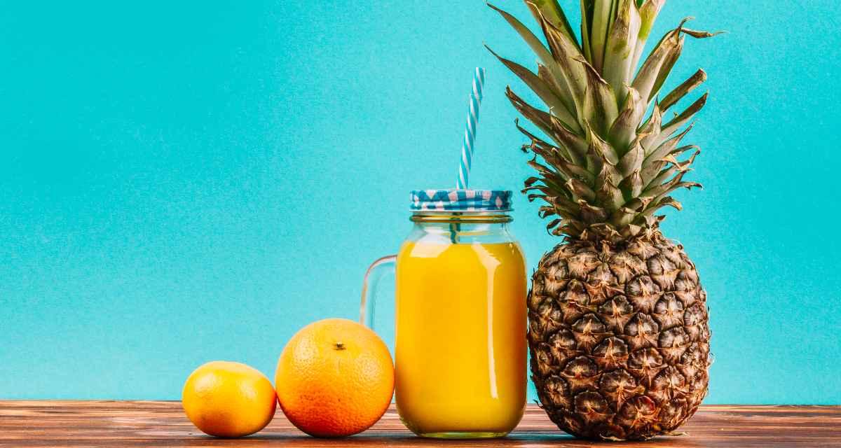 Suco de abacaxi com laranja