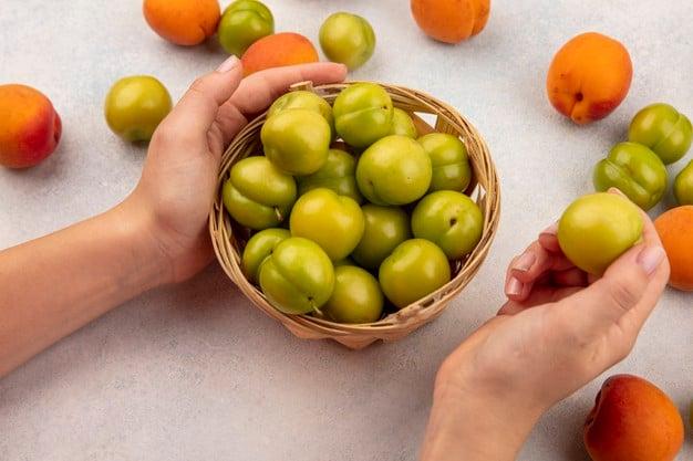 Umbu na cesta e seus benefícios