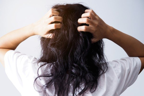 coceira no couro cabeludo