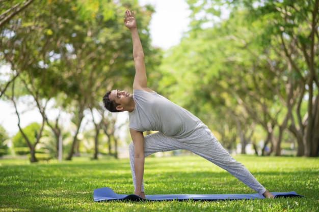 exercício yoga flexibilidade e torção