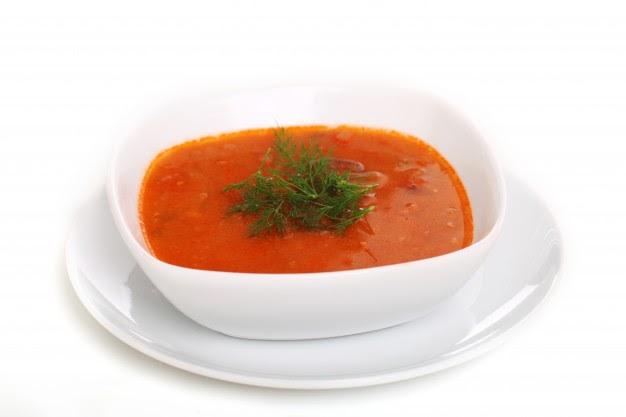 Receita de sopa de gengibre light com tomate, batata e ovo