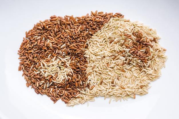 arroz integral e arroz branco