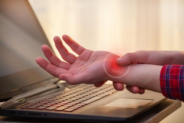 pulso doendo por causa do computador