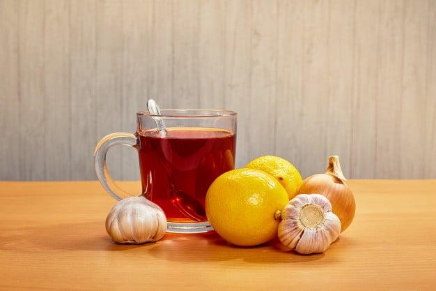 chá de limão com mel e alho