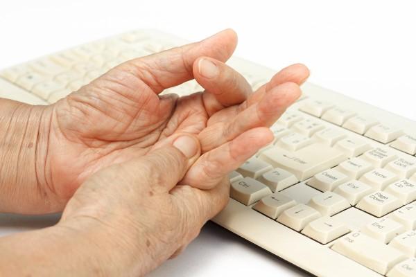 Dor na mão