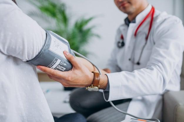 medindo a pressão sanguinea