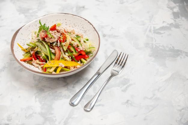 Salada de frango com feijão branco