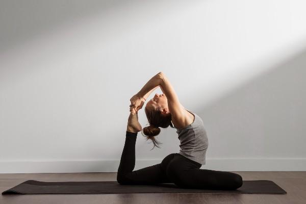 Praticante - Yoga antes de dormir