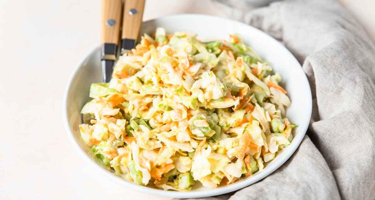 Salada doce de repolho
