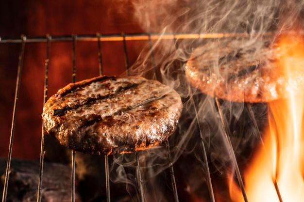 hambúrguer grelhado