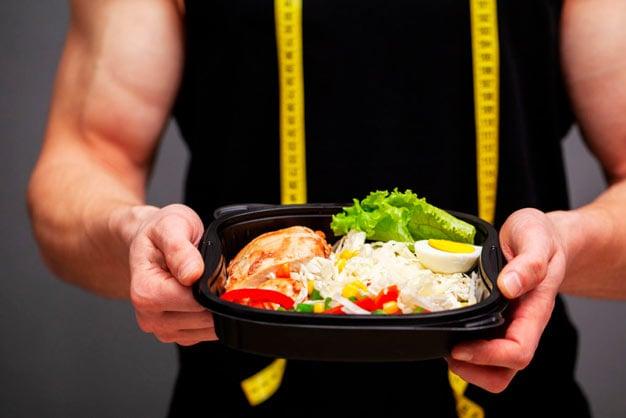 prato contendo proteínas
