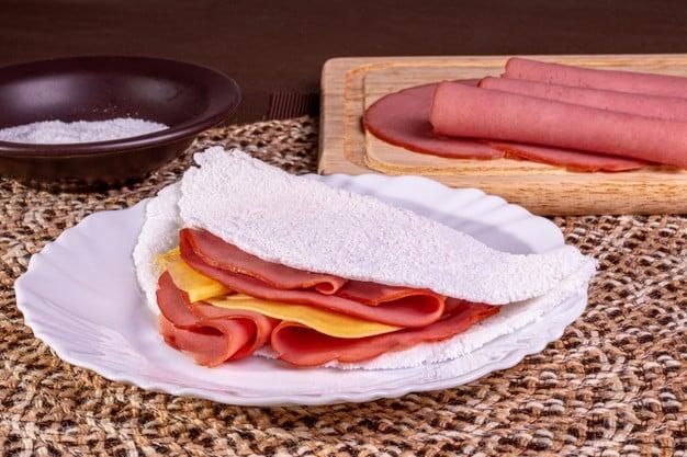 tapioca de queijo e presunto