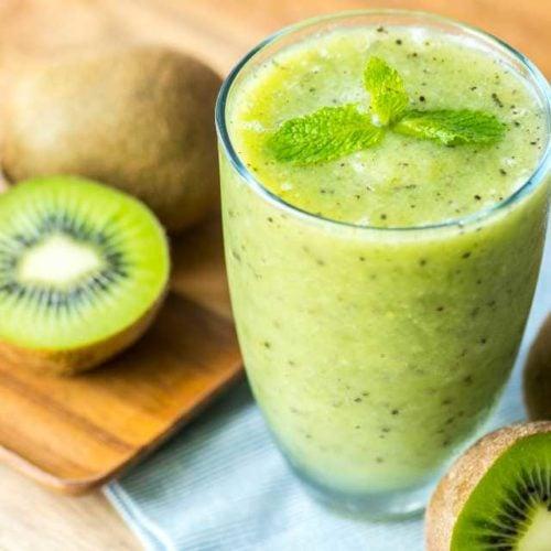Suco detox com kiwi