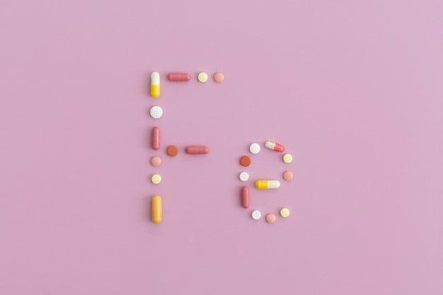 símbolo ferro feito com pílulas
