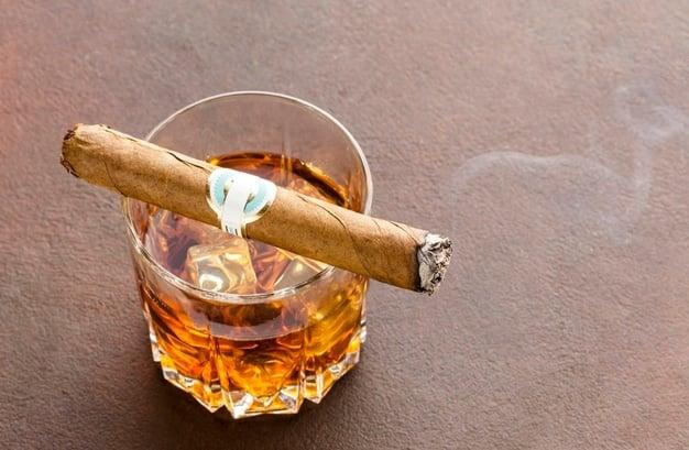 álcool e cigarro