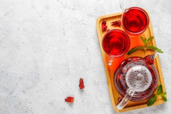 Cuidados ao tomar chá de hibisco e mais dicas