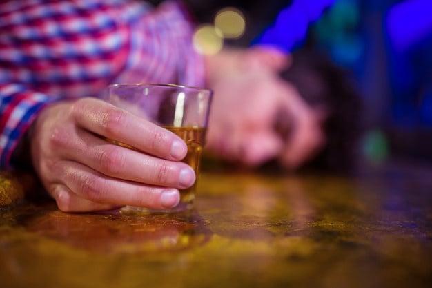 excesso de bebida
